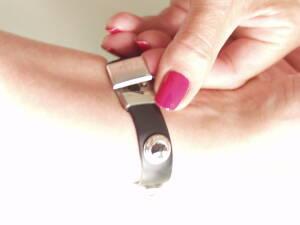 Power ON Armband kristall