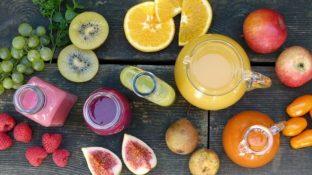 Smoothies, Orangensaft und flüssige Nahrungsmittel
